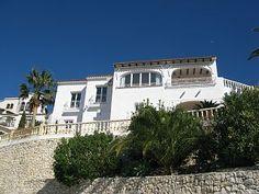Nieuw Ingerichte Villa met Adembenemend Uitzicht op Zee en Bergen!Vakantieverhuur in El Portet van @homeaway! #vacation #rental #travel #homeaway