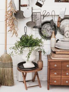 Farmhouse Halloween, Cottage, Cozy, Kitchen, Home Decor, Cooking, Decoration Home, Room Decor, Cottages