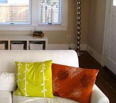 Inspiration: Your Favorite DIY Throw Pillow Ideas! Diy Throw Pillows, Green Pillows, Austin Apartment, Neutral Palette, Pillow Sale, Home Decor Items, Apartment Therapy, Pillow Ideas, Pillow Covers