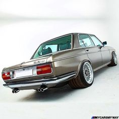 former specialist of bmw classic cars of colonel … – … - Best Cars & Classic Cars & Luxury Cars - Sports cars - Motorcycles Bmw E30 M3, Suv Bmw, Bmw Alpina, Bmw Cars, M3 Tuning, Golf Mk1, Carros Bmw, Bmw Vintage, Bmw Autos