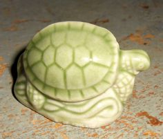 Made in England Wade Turtle Red Rose Tea Figurine Pet Shop Series 2006-2008