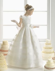 Charming Short Sleeved Lace Trimmed Waist Ball Gown Stripped Organza Communion Dress