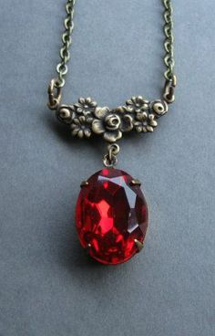 Red jewel necklace estate jewel faceted glass Not crazy about the setting/design, but I LOVE the color and cut