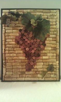 Wine Cork Art / Just a bit crafty. Wine Craft, Wine Cork Crafts, Wine Bottle Crafts, Wine Corker, Wine Cork Wreath, Wine Cork Projects, Wine Bottle Corks, Bottle Candles, Cork Art