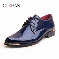 Cheap zapatos hombre  de Super moda de charol brillante hombre de Oxford zapatos bajo Top de hombre zapato de la boda al por menor Chaussure Homme zapatillas hombre men shoes, Compro Calidad Pisos para hombres directamente de los surtidores de China:                                EE.UU. $    14.89                 EE.UU. $    14.90                 EE.UU. $    19.49