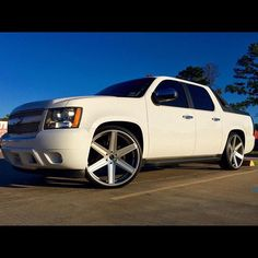 Chevy avalanche on 20x10 balistic wheels style wizards for Motores y vehiculos nj
