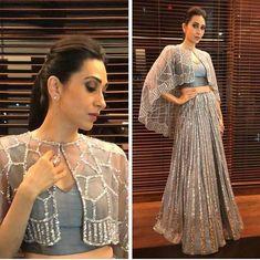 The Art of Choosing A Blouse Design Indien Indian Gowns Dresses, Pakistani Dresses, Women's Dresses, Dresses Online, Indian Wedding Outfits, Indian Outfits, Indian Designer Outfits, Designer Dresses, Stylish Dresses