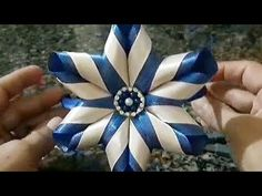Tiara dupla cor - Free Online Videos Best Movies TV shows - Faceclips Flower Hair Bows, Satin Ribbon Flowers, Ribbon Art, Ribbon Hair Bows, Diy Hair Bows, Ribbon Crafts, Fabric Flowers, Kanzashi Flowers, Diy Flowers