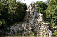 18. Apeninos Colossus, escultura ubicada en Italia