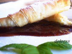Blog de cuina de la dolorss: Rollitos crujientes de Torta del Casar con coulis de membrillo