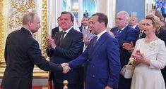 À qui Poutine a-t-il tendu la main juste après son investiture?