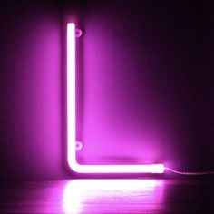 Neon Pink Light Up Letter - L