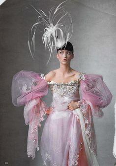 Chapeau création robe haute couture modèle