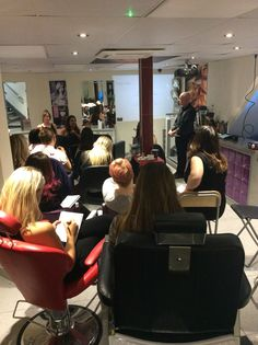 Customer service training hosted by Gary Young. www.experienceeducation.academy