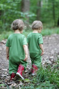 Don't know wether I want twin girls or twin boys or boy-girl twins Beautiful Children, Beautiful Babies, Little People, Little Boys, Young People, Cute Twins, Identical Twins, How To Have Twins, Twin Girls
