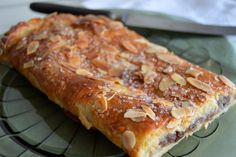 Amaretti pistachio and fennel seeds - HQ Recipes Danish Dessert, Danish Food, Danish Cookies, Norwegian Food, Sweets Cake, Bread Cake, Recipes From Heaven, Christmas Baking, Yummy Cakes