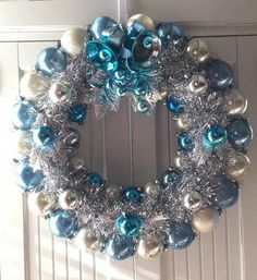 Vintage Ornaments Ideas – Page 8622842864 – Vintage and antique items Retro Christmas Tree, Turquoise Christmas, Blue Christmas Decor, Silver Christmas, Vintage Christmas Ornaments, Christmas Diy, Vintage Christmas Decorating, Frozen Christmas Tree, Christmas Ornament Wreath
