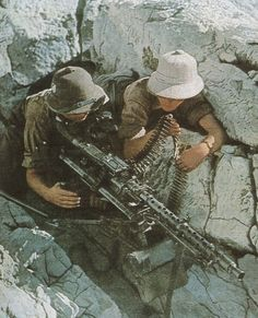 German machine gun nest, North Africa, circa 1941-1943.This either the MG 34, firing 850 rounds per minute or the MG 42, firing 1550 rounds per minute.Deadly beast!