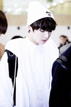 Jeon jungkook KOOKIE bts bangtan boys airport fashion