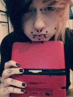 #emo#emoboys#emoboy#emohair#flippyhair#piercings