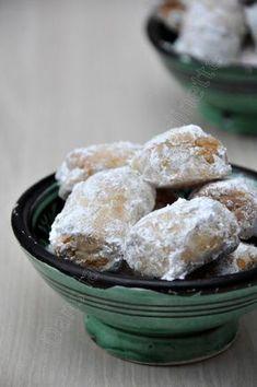 Sablés Marocains aux Graines de Sésame. Croissant, Shortbread, Moroccan Dishes, Tea Snacks, Biscuit Cookies, Brownie Cookies, Mini Muffins, Pasta, Tea Cakes