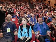 На Ямале просят вернуть национальность в паспорт   Представители Красноярского края попросили вернуть графу национальность в паспорт. Предложение было высказано в рамках открытия форума в Салехарде в четверг, 23 марта. На мероприятии присутствовал замглавы администрации президента Магомедсалам Магомедов.