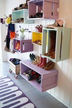 Painted crate shoe storage DIY. Perfect for storing shoes, backpack, jackets, etc. Could also hang a string and use clothespins to display a little of the kids artwork. #BackToSchool #HomeDecor #EntrywayStorage #DIY
