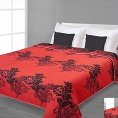 Čierny obojstranný prehoz na posteľ s červeným vzorom Comforters, Blanket, Bed, Furniture, Home Decor, Creature Comforts, Quilts, Decoration Home, Stream Bed