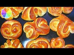 10 simple shapes for the sugar rolls. Easy Bun, Simple Bun, Bread Art, Cookie Pie, Russian Recipes, Food Crafts, Simple Shapes, How To Make Bread, Bread Baking