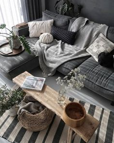 modern living room design ideas - Wohnraum gestalten - Home Sweet Home Living Room Grey, Living Room Modern, Interior Design Living Room, Home And Living, Living Room Designs, Modern Interior, Grey Interior Design, Cozy Living, Charcoal Sofa Living Room