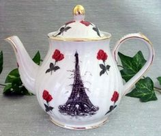 Eiffel tower teapot with Red Rose accents  6 Cup Capacity  Made of Porcelain