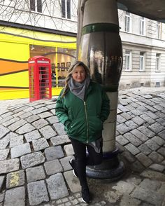 "37 Gostos, 2 Comentários - R.F. (@re.nata13) no Instagram: ""#morningsun#smileanddance#sundaymood#coffeetime#sundaymorning#viennaart#wien#hundertwasserhaus#viennacity#wienerschnitzel#colorful#badhaarday#instaigers#instagramers#instaweekend#instamoments#instamood#instaigers📷🎈"""
