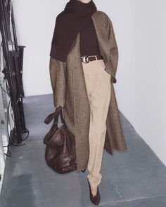 Feminine-masculine casual- love it. Muslim Fashion, Modest Fashion, Hijab Fashion, Fashion Outfits, Modest Clothing, Lolita Fashion, Fashion Clothes, Look Fashion, Trendy Fashion