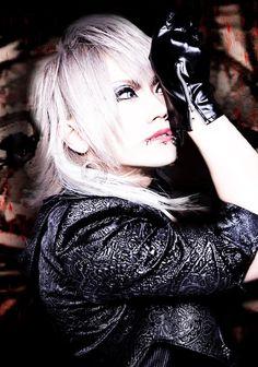 Drums: kazuharu (和春) | DOAK