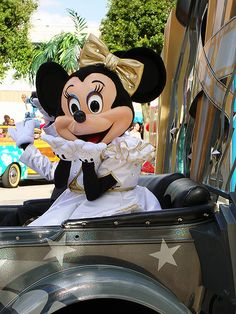Minnie Mouse ~ Disney's Stars 'n' Cars