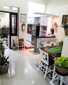 Dapur dan ruang makan cantik Yes or No . Kitchen Room Design, Home Room Design, Home Decor Kitchen, Interior Design Living Room, Living Room Designs, Minimalist House Design, Small House Design, Minimalist Home, Hobby Design