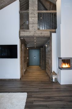 We all know that best ski resorts are in Alps or Pyrenees and best mountain homes are French or Swiss chalets. But do not forget the Scandinavians has ✌Pufikhomes - source of home inspiration Wooden Cottage, Wooden House, Construction Chalet, Scandinavian Cottage, Montana Homes, Cottage Interiors, House In The Woods, House Plans, Villa