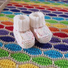 Newborn booties · Stivaletti A Maglia Per BambinoUncinetto ... e0d7eb970b2