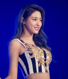 The ladies of kpop : Photo Korean Beauty Girls, Korean Girl Fashion, Sexy Asian Girls, Beautiful Asian Girls, Asian Beauty, Asian Kids, Gorgeous Women, Kpop Girl Groups, Korean Girl Groups