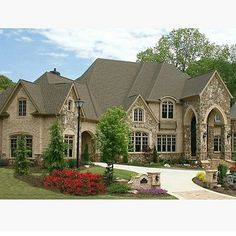 Luxury European Style Homes - traditional - exterior - atlanta - Alex Custom Homes, LLC. like the brick color Style At Home, Casas Country, Mansion Homes, Dream Mansion, European Style Homes, Traditional Exterior, Traditional Style Homes, Brick And Stone, Stone Houses