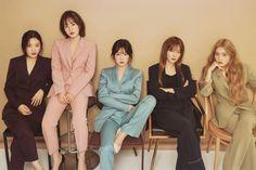 Red Velvet surpassed Destiny's Child and The Pussycat Dolls as the only girl group to reach on U. Wendy Red Velvet, Red Velvet Suit, Velvet Style, Seulgi, Kpop Girl Groups, Korean Girl Groups, Kpop Girls, Red Velvet Photoshoot, Red Velet