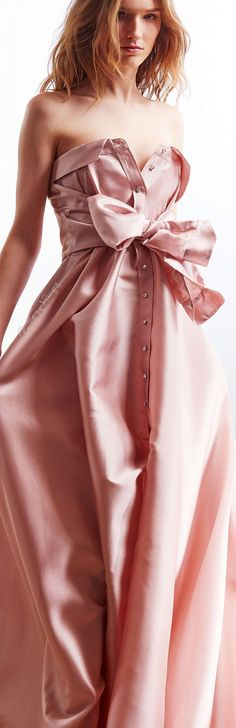 ❖ Pretty in her Pink ♠️ Alexis Mabille FW Pink Fashion, Couture Fashion, Runway Fashion, Fashion Beauty, Fashion Dresses, Beautiful Gowns, Beautiful Outfits, Pink Dress, Dress Up