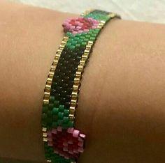Jewelry Box, Jewelery, Jewelry Making, Jewelry Patterns, Bracelet Patterns, Bead Loom Bracelets, Peyote Stitch, Brick Stitch, Loom Beading