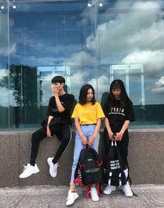 Best Friend Pictures, Bff Pictures, Friend Photos, Mode Ulzzang, Ulzzang Boy, Korean Best Friends, Korean People, Ulzzang Couple, Strong Women Quotes