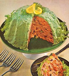 Retro recipes found in vintage ads. Madison Avenue's contribution to the dinner table, from the delicious to the suspicious. Retro Recipes, Old Recipes, Vintage Recipes, Cooking Recipes, Vintage Food, 1950s Recipes, Party Recipes, Vintage Art, Recipies
