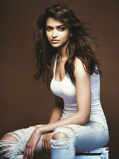 Bollywood's hot actress Deepika Padukone is the new diva in town! The bollywood bombshell Deepika is picture perfect