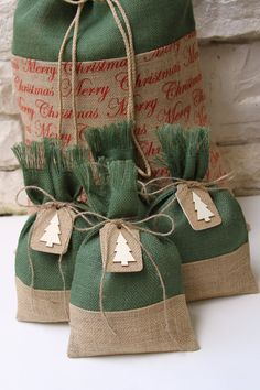 Burlap Gift Bags Christmas Tree Tags Set of Four Shabby Chic Christmas Wrapping Green and Natural Burlap Natural Wood Gift Tag Burlap Christmas Tree, Christmas Tree With Gifts, Christmas Gift Bags, Shabby Chic Christmas, Christmas Gift Wrapping, Christmas Crafts, Christmas Decorations, Wrapping Gifts, Wrapping Ideas