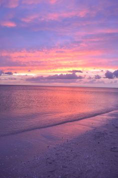 No photoshop required for America's Most Romantic Sunset, at 'Tween Waters Inn Island Resort on Sanibel Island, Florida!