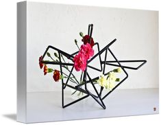 """""""Ikebana""""+by+*+Baiko+*,++//+You+can+see+more+of+Baiko's+Ikebana+art+by+visiting+our+website:+Zen-Images.To+learn+more+about+Sogetsu+Ikebana+and+what's+behind+Baiko's+creations,+check+out+our+blog:+"""