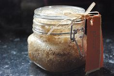 Honey Sugar Scrub Recipe-good gift idea for brides, moms and girlfriends. Honey Sugar Scrub, Sugar Scrub Recipe, Coconut Oil Body Scrub, Deli News, Face Scrub Homemade, Coffee Scrub, Diy Beauty, Baking Soda, Body Scrubs